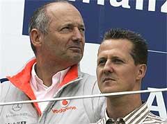 Рон Деннис и Михаэль Шумахер. Фото AFP