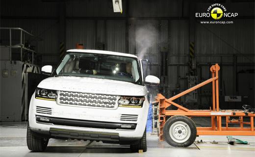 Боковой удар Range Rover. Фото Euro NCAP
