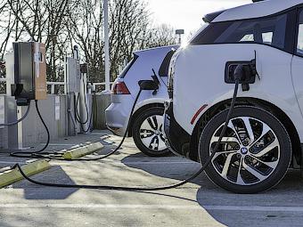 2ebb542ee4c958ecfb7d59c1668d1 Volkswagen и BMW намерены создать совместную сеть зарядных станций в Америке