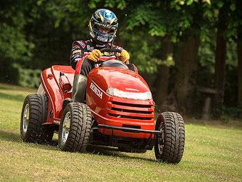 """Honda научила газонокосилку набирать """"сотню"""" за четыре секунды."""